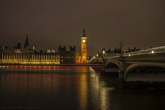 Londres (Nuria Domínguez) Tags: londres bigben puente bridge inglaterra england night noche travel beautiful love nuriadomínguez river río tamesis reloj parlamento light luces big ben