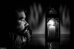 Yo (Eugercios) Tags: selfie yo ruben perez eugercios portrait retrato blanco branco white preto negro black light luz vela candle