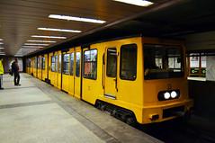 Ganz MFAV - Deák Ferenc tér Metro Station (prahatravel) Tags: budapesti metró közlekedési vállalat budapest metro underground system subway public transportation hungary