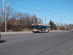 New Flyer D40LF #7322 on Lake Shore Blvd. W. (Edward B.'s Pictures) Tags: newflyer torontoontario torontotransitcommission ttc ttcbus d40lf 7322 lakeshoreblvdw longbranch longbranchontario 501queen