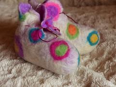 felt-handmade-baby-booties-pink-circles-soft-warm-merino-wool-blythwhimsies-2017-02-28 10.04.53 (blyth whimsies) Tags: babybooties handmadefelt wetfelting wetfelted merinowool blythwhimsies etsy