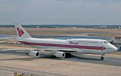 HS-TGA Boeing 747-407 Thai Airways Intl 06-09-03 FRA (PlanecrazyUK) Tags: am fra 060903 eddf airport hstga frankfurt main thaiairwaysintl boeing747407