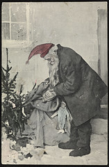 Julekort, ca. 1905 (National Library of Norway) Tags: christmas toys postcards fatherchristmas santaclaus christmascards jul julekort leker postkort nisser nasjonalbiblioteket hytider nationallibraryofnorway