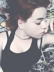 Tu nombre no se rompe ni con balas de cristal. (NekisaWilliams) Tags: girl dc spain rojo model chica gente perfil rosa modelo batman soledad almeria frio inspiracion ternura morado primerplano fragilidad autoretrado