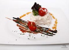 tartar-de-langostinos-merluza-y-monalisas-en-salsa-rusa