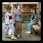 TWO GEISHA AND A MAIKO WAITING FOR OLD SOBA TO CHANGE LENSES, RECHARGE A BATTERY, AND FIND THE 64-KB SD CARD HE THOUGHT HE BROUGHT WITH HIM... BACK IN 1908 thumbnail