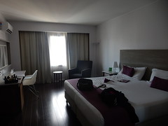 aya pornsbado (teleoalreves) Tags: life travel love hotel gracias amor live room ve noviembre recoleta rest bday simple celebrate hotelroom nops 2015 dazzler teleoalreves