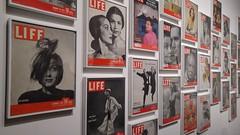 20151113_155648 (So_P) Tags: life paris magazine de photography photographie exhibition exposition cover philippe paume jeu couverture halsman