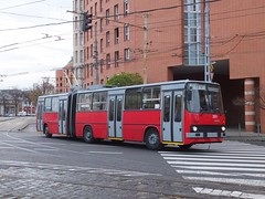 Budapest 251 Orczy ter (Guy Arab UF) Tags: bus buses hungary budapest articulated trolleybus ter ikarus 251 280t orczy trolibusz
