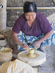 "Pindaya: la fabrique de poteries <a style=""margin-left:10px; font-size:0.8em;"" href=""http://www.flickr.com/photos/127723101@N04/23482703885/"" target=""_blank"">@flickr</a>"