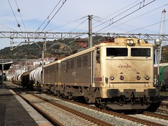 289 (firedmanager) Tags: renfe railtransport renfemercancías locomotora locomotive tren train trena ferrocarril freighttrain mitsubishi 289
