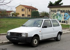 1984 Fiat Uno ES (Alessio3373) Tags: fiat fiatuno fiatunoes unoes autoshite youngtimers oldcars targhenere blackplates