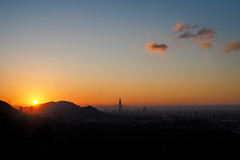 2017第一個黃昏。 台北 Taipei 101 (里卡豆) Tags: olympus em5ii em5 markii sunset 25mm f12 pro 2512pro dusk 夕陽 黃昏 101 taipei 台北101 taipei101