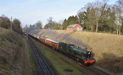 GWR Loco Witherslack Hall approaches Quorn, with aservice from Loughborough. 27 12 2016 (pnb511) Tags: greatcentralrailway trains railway steam locomotives loco heritage train engine carriage track smoke semaphore signal 6990 gwr hall 260