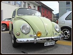 VW Beetle, 1969 (v8dub) Tags: vw beetle 1969 volkswagen fusca maggiolino käfer kever bug bubbla cox coccinelle schweiz suisse switzerland fribourg freiburg german pkw voiture car wagen worldcars auto automobile automotive aircooled old oldtimer oldcar klassik classic collector