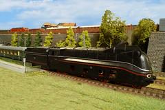 DRG BR 03 1081 - Fleischmann (Stig Baumeyer) Tags: steamlocomotive ånglok dampflokomotive damplok damplokomotiv deutschereichsbahn fleischmann fleischmann187 fleischmannh0 drg br0310 drgbr03 baureihe03 baureihe0310 stromlinienlokomotive streamliner scalah0 scala187 echelleh0 echelle187 h0scale h0skala h0 h0layout diorama ferromodellismo modelleisenbahn modelljärnväg modelljernbane modelrailway