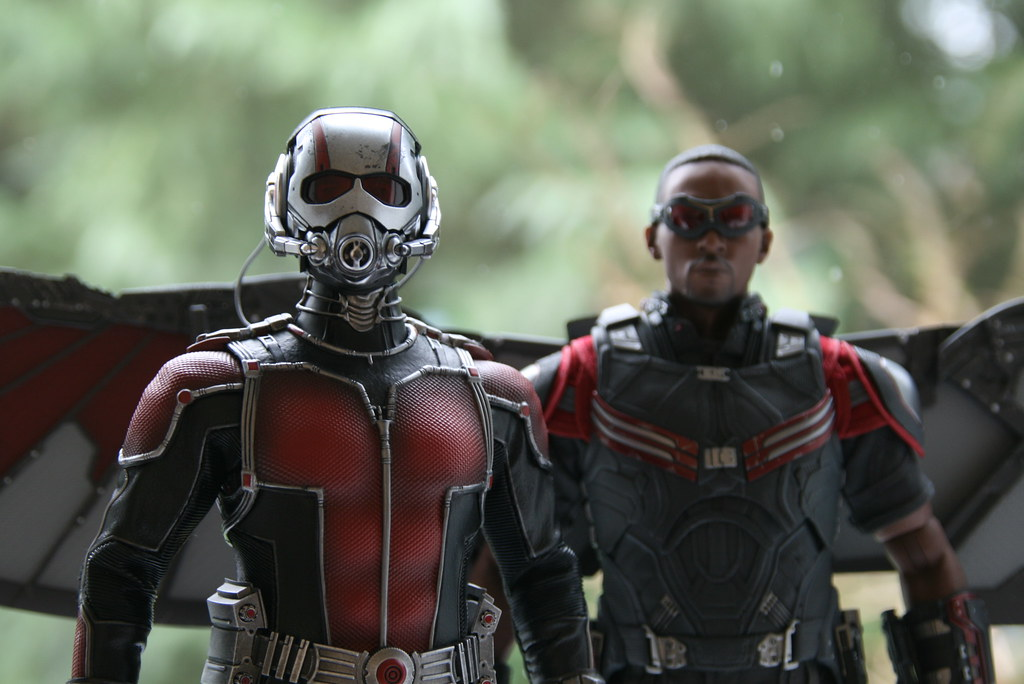 The world 39 s best photos of falcon and marvel flickr hive - Faucon avengers ...