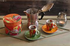 IMG_2920 (millie_difiore) Tags: caffè café coffee fumo humo smoke tulipani tulipanes tulips moka caffettiera cafetera coffeemaker scatola caja box cibo