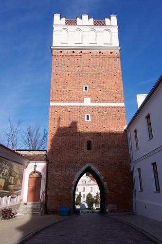 Brama Opatowska w Sandomierzu od strony miasta