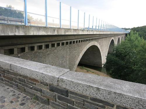 A72 Talbrücke Pöhl bei Neuensand Juli 2015_065