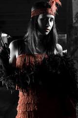 Swing Lady (Senn Insua) Tags: bw blancoynegro rojo andrea swing modelo boa galicia labios pluma negra vestido desaturacin 20s ballenera disfrad selectiva canelias