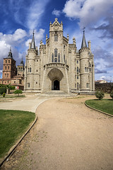Episcopal palace, Astorga (Palentino) Tags: building catholic religion edificio palace leon gaudi episcopal palacio astorga castilla catolico