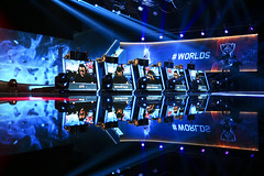 Worlds Bracket Stage Week 3 Day 2 (lolesports) Tags: london lol worlds wembleystadium lms iwc lpl esports worldchampionships lcs lck leagueoflegends nalcs eulcs bracketstages