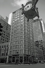 Reliance Building from under the Great Clock, Chicago, Illinois (myoldpostcards) Tags: bw usa chicago building clock architecture skyscraper nhl illinois unitedstates landmark il fields architects cl marshallfields cookcounty reliancebuilding nationalhistoriclandmark designated nationalregisterofhistoricplaces chicagoschool hotelburnham nrhp charlesbatwood chicagolandmark greatclock architecturalstyle johnroot marshallfieldcompany 70000237 myoldpostcards vonliski loopretailhistoricdistrict nrhpreference 1wwashingtonst 32nstatest