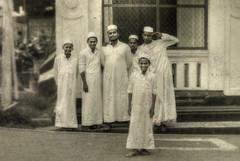 5 + 1 (Saint-Exupery) Tags: street leica calle srilanka galle