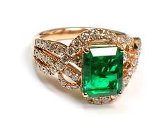Emerald Ring (theappraiserlady) Tags: verde green diamonds jewelry emerald beryl oro anillo esmeralda joyas levian emeraldring theappraiserlady emeraldanddiamonds
