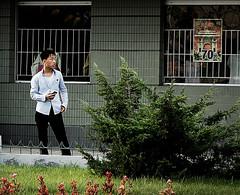 En cualquier calle de Pyongyang - RPD Corea (pirindao) Tags: street color colour photoshop photography photo asia contemporary sony colores conceptual northkorea pyongyang urbanphotography coreadelnorte travelphotography streetphotgraphy northcorea pdrkorea rpdcorea pdrcorea