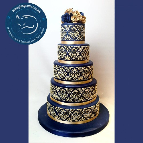 Such A Striking Colour Scheme For This Stunning Design Cake Thefoxycakeco Windsor