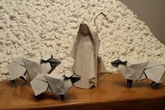 24 Holiday Themed Origami Models to Fill You with Christmas Spirit (Origami.me) Tags: origami papercraft paper craft diy folding fold christmas xmas holiday december