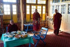 30098675 (wolfgangkaehler) Tags: asia asian southeastasia myanmar burma burmese inlelake taungtovillage villagelife villagescene village people person monastery monasteries buddhism buddhist buddhistmonk buddhistmonks buddhistmonastery buddhistmonasteries monk monks eating