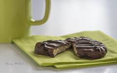 Broken Biscuit (Mandy Willard) Tags: 2017weeklyalphabetchallenge biscuit cookie bisforbroken 117picturesin2017 chocolate