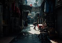 生活 (rabitcai130) Tags: voigtlander r3a zm 502 film kodak portra400 人文 street 街道