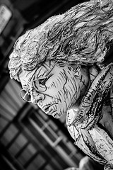 Sketchy (E U A N ) Tags: street festival fringe royalmile performer highstreet livingstatue edburgh