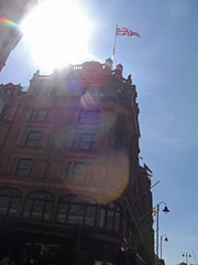 Harrods - Knightsbridge (ell brown) Tags: greatbritain england london unitedkingdom harrods knightsbridge kensingtonchelsea greaterlondon hanscrescent bromptonrd royalboroughofkensingtonandchelsea mohamedalfayed gradeiilisted doultons gradeiilistedbuilding basilst charleshenryharrod qatarholdings hansrd cwstephens louisdblanc johnlharvey upmarketdepartmentstore johnallenandsonsofkilburn pinkybuffterracottafacings