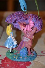 Ornament Alice in Wonderland (MissLilieDolly) Tags: alice wonderland aux pays des merveilles disney cheshire cat white rabbit bunny lapin blanc chapelier fou mad hatter queen hearts la reine de coeur collection le livre mars missliliedolly miss lilie dolly ornament suspension aurelmistinguette