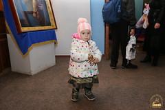 22. Humanitarian assistance for refugees at Svyatogorsk Lavra / Раздача гуманитарной помощи беженцам Лавры