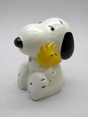 Peanuts Potpourri Holder (The Moog Image Dump) Tags: cute united peanuts charles m plastic snoopy kawaii figure woodstock feature holder potpourri syndicate schulz