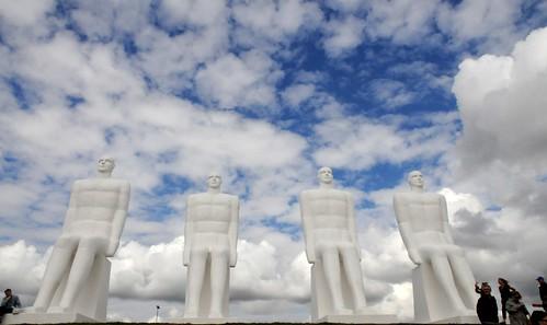 """Skulpturengruppe """"Der Mensch am Meer"""" (Mennesket ved Havet) als Wahrzeichen von Esbjerg; Esbjerg, Dänemark (208)"""
