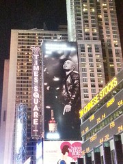 #throwback one of the best rappers ever, Nas, and his Hennessy billboard up high in Times Square NYC!! 🙌🔥 #Nas #NYC #NewYorkCity #NewYork #TimesSquare #Hennessy #rap #music #Queens #42ndStreet #legend #liquor #henny #hiphop #stoked (AlexGilbertOfficial) Tags: throwback nas nyc newyorkcity newyork timessquare hennessy rap music queens 42ndstreet legend liquor henny hiphop stoked
