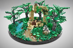 Jedi Search - 5/5 : The Master (Inthert) Tags: lego moc star wars jedi search order planet vignette scene yavin 4 iv jungle tree river forest path plant temple massassi praxeum arch academy students luke skywalker r2d2