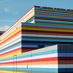 Rainbow House (Photothomas85) Tags: urban architektur berlin buidling farben stripes