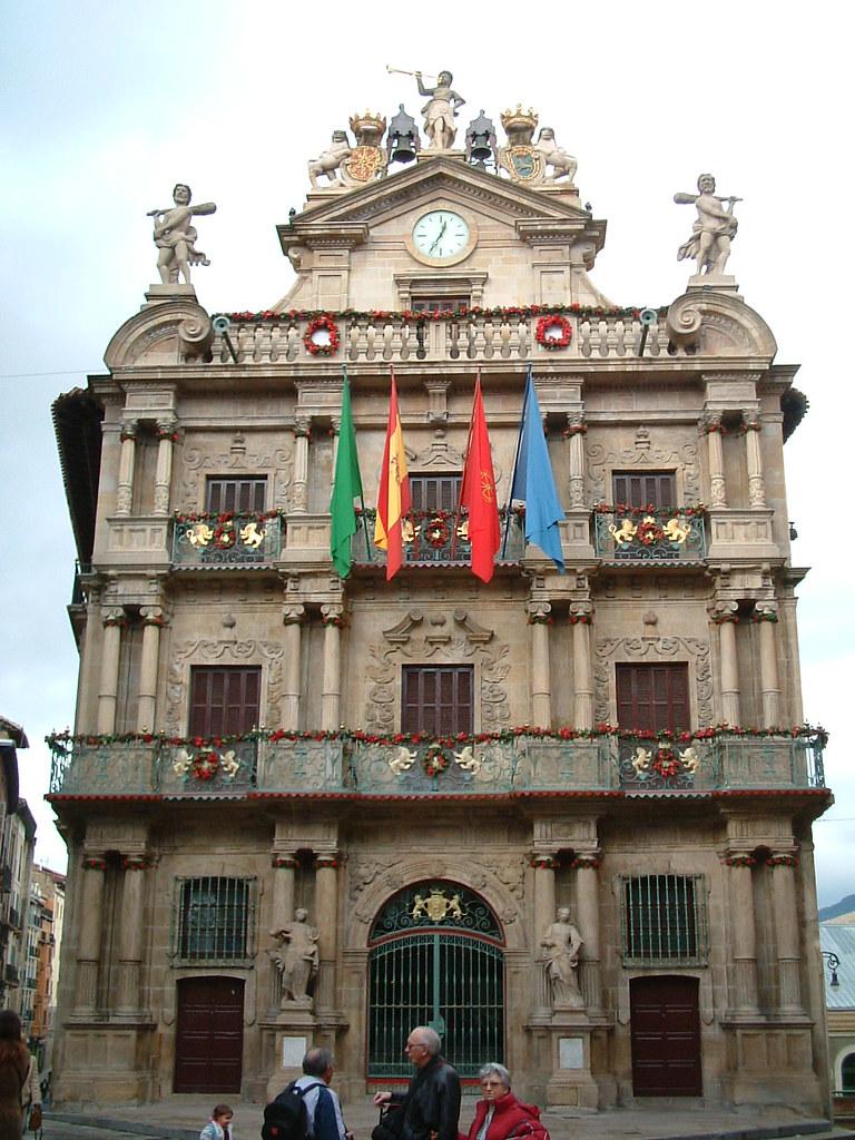 Ayuntamiento de Pamplona, desde aquí se lanza el Chupinazo de San Fermin