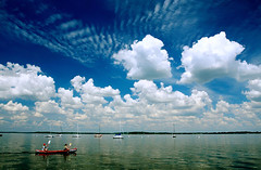 Lake Mendota Afternoon (Mingfong) Tags: blue summer sky cloud lake colors wisconsin clouds spectacular fun happy boat interestingness amazing afternoon happiness sunny bluesky canoe story madison albumcover summertime stories lakemendota  sunnysky interestingness4 mingfong exploretop20 spectacularsky stunningsky musicflyer amazingcloud mingfongjan artbrochure sketchoflight mingfongphotography