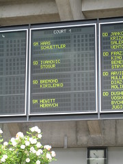 Hewitt plays at Court 1 in the first round of the French Open (aloha_pineapple) Tags: paris france tennis rolandgarros grandslam frenchopen frenchopen2006