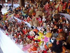 dolls in meiji jingu being offered to gods (michenv) Tags: 2004 japan digital toys asia dolls michelle olympus harajuku nippon digitalcamera  orient camedia nihon meijijingu digitalphotos digitalphotography olympuscamedia camediaseries  photosfromtokyo  olympusdigital olympusc50z  michenv olympusx2 michenv2004