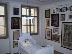 Creepy doll in Mozart's birth-house in Salzburg, Austria (in the room where his cradle stood.) (violinsoldier) Tags: musician music salzburg austria weird scary doll dolls bluegrass creepy musical violin horror classical fiddle amadeus disturbing genius disturbed musik mozart violinist wolfgang fiddler violins composer clavier fiddles chucky geburtshaus